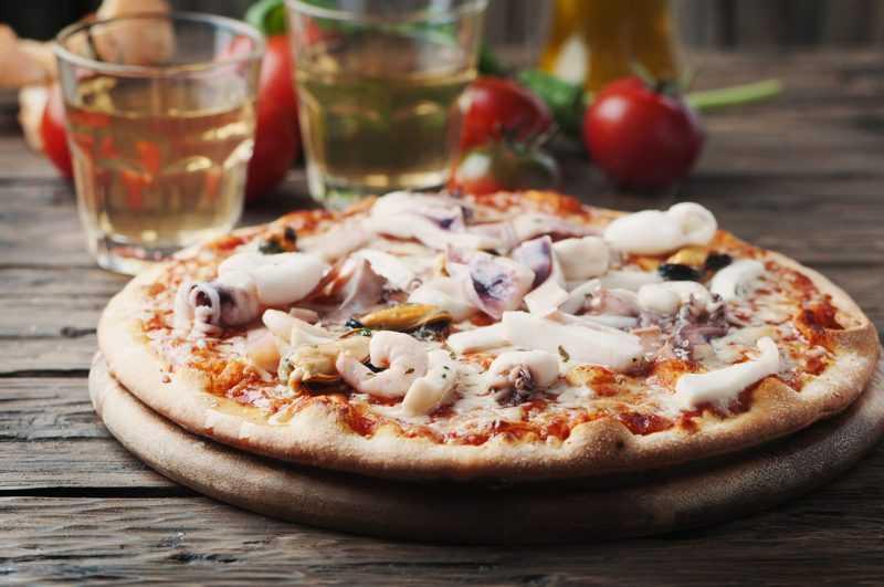 Пицца с морепродуктами и болгарским перцем